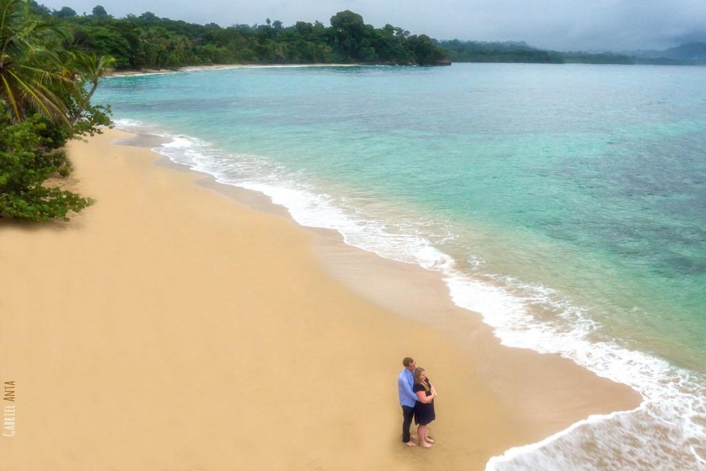 Fotos de Aniversario con Dron de Benoit y Chloé en Puerto Viejo (Costa Rica)