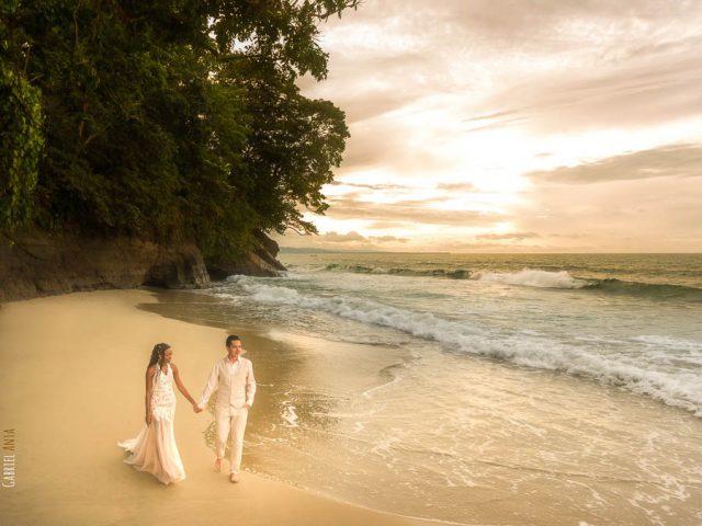 Wedding at Punta Uva Beach (Puerto Viejo, Costa Rica)