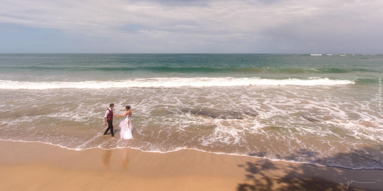 Fotografía de Boda con Dron en la playa de Punta Uva (Puerto Viejo de Limón, Costa Rica)