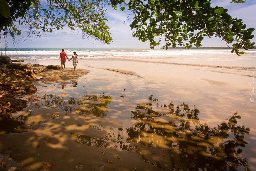 Fotos de Aniversario de Bodas en la Playa de Cahuita, Costa Rica
