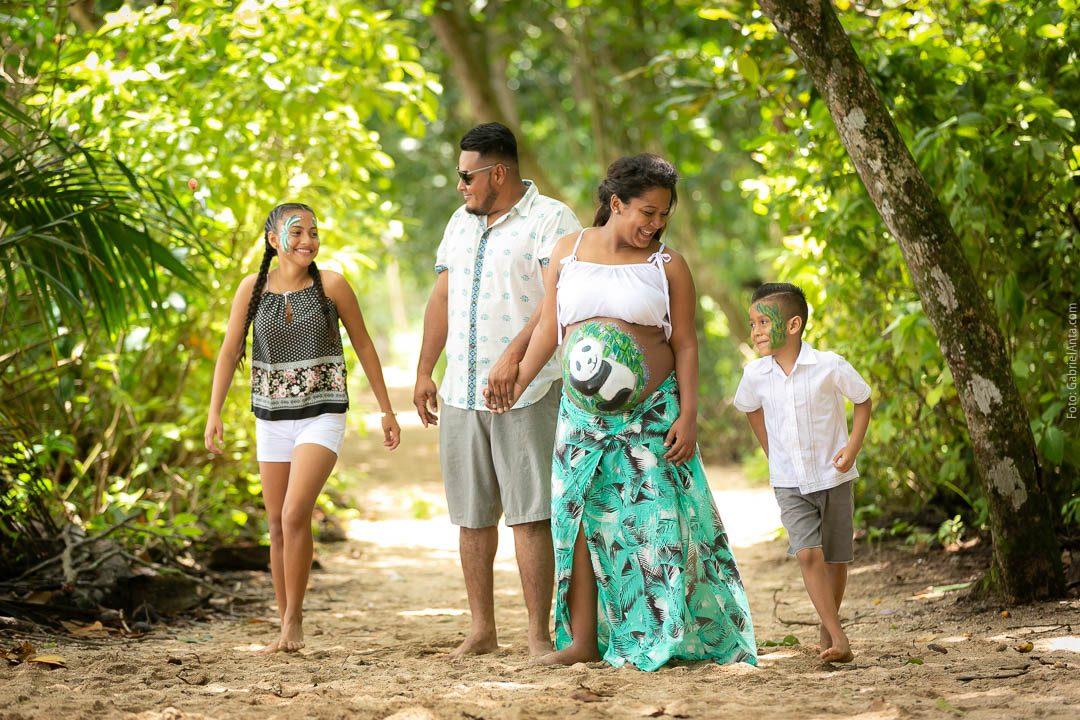 Fotos de Maternidad en el Parque Nacional Cahuita
